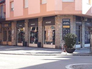 Allario Pneumatici SNC - Driver Center Pirelli