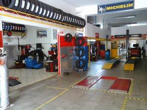 Assistenza Pneumatici Martino - Vendita e assistenza pneumatici per auto