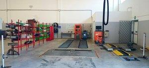 2B Garage - Centro revisioni auto e moto, motoriparazioni e customizzazioni.